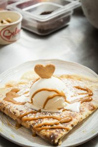 Dulce de leche and cheese crepe